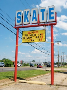 Ah, the familiar skating sign in Hamilton